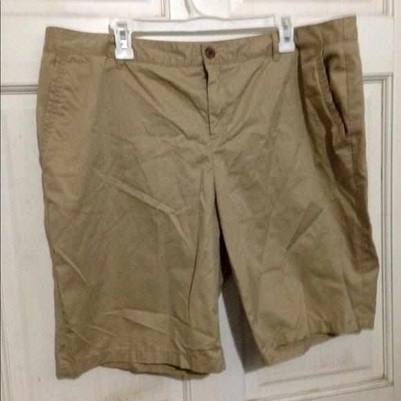 Merona Pants - Tan chino NWOT Bermuda cotton shorts.